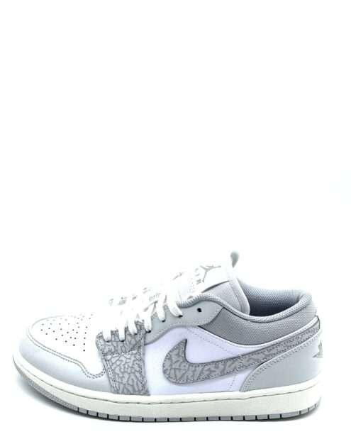 """Jordan 1 Low """"Berlin Grey"""", der også er kendt som """"Smoke Grey Elephant"""" kan fås lige her på Streetwear Evolution til en skarp pris. Sneakeren er med lav kant og er den ægte vare."""